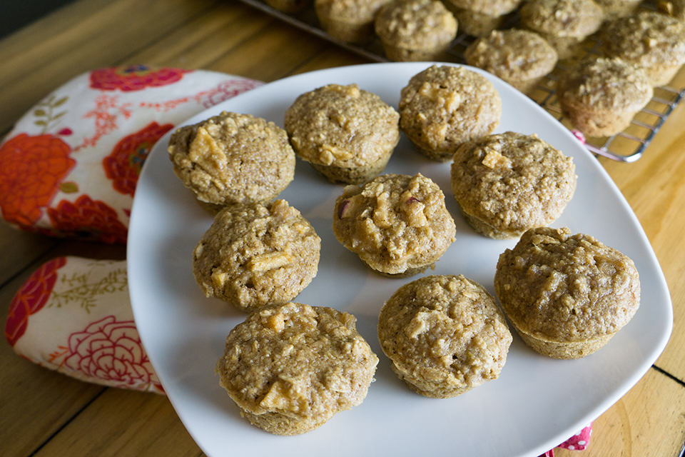 Apple Oatmeal Mini Muffins